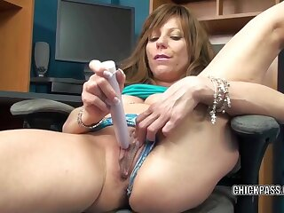 Mature brunette Brandi Minx pulls her blue Y-fronts forth the side forth fuck her wet pussy