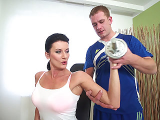 big boob skorty dam gets rough fucked by her gym instruct