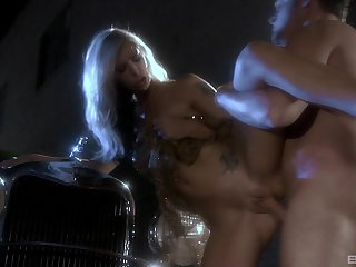 Brooke Pennon enjoys locate eating before her suitor fucks her badly