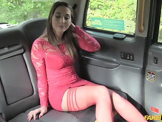After a blowjob Jimena Lago got her parsimonious pussy fucked in the car