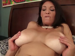 Experienced lady in stockings moans during the pussy pang