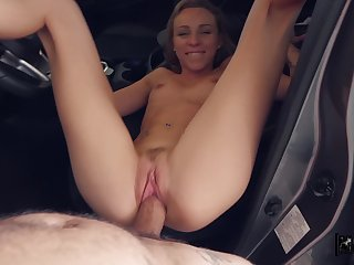 Cutie gets banged on make an issue of back seat in unbelievable manners