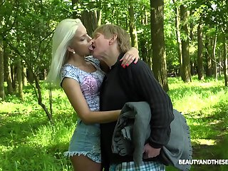 Young nympho Julia Parker gets fucked in the forest unconnected with a handful of kinky senior