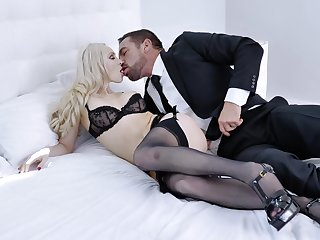 Sexual satisfaction be required of lickerish good-time-girl Natasha James