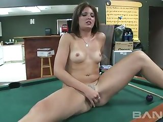 This doll doesn't stance pool but she certainly knows how alongside masturbate