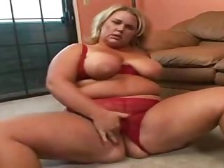 BBW Rylee greater than black load of shit