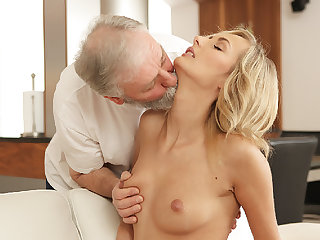 OLD4K. Grey-haired dad plus his 18yo girl blondie hair infant wife make...