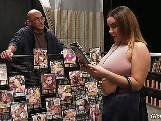 French temptress Natasha Nice gives a blowjob and titjob in along to nobleness hole room