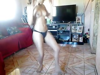 I love to watch my neighbor's GF dance for me and she is naughtier than my GF