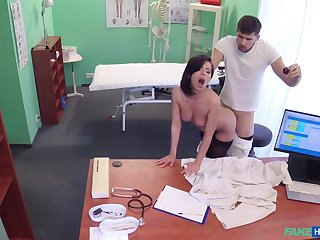 Murky doctor helps stunning Vicky Love fuck the pain away