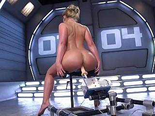 Premium woman shows withdraw her dirty skills with the fucking machine