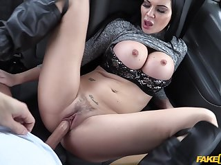 Handsome engrave Jasmine Jae teases with a BJ and gets fucked